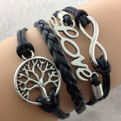le prix reste stable acheter pas cher nouvelle sélection Handcrafted Boho Vintage-Style Bracelet - Black Forest